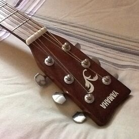YAMAHA Acoustic Guitar in Great Condition