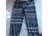 blue pattern leggings