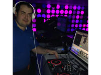 SPANISH DJ LOOKING FOR GIGS IN BARS,CLUBS,AVAILAVLE ASAP
