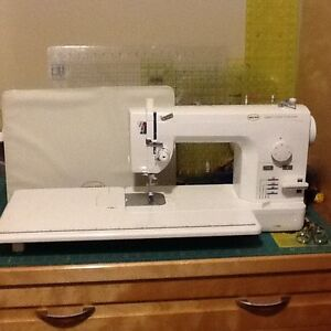 Sewing/Quilting Machine