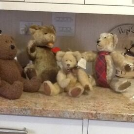 4 good quality teddies