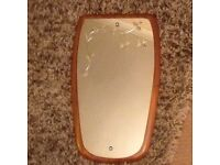 NICE MODERN STYLE MIRROR WITH A PRETTY ETCHED DESIGN