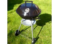 Kettle barbeque with extras. New condition.