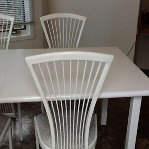 White table and 4 chairs