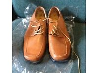 Mens Leather Shoes size 9 . Unworn .