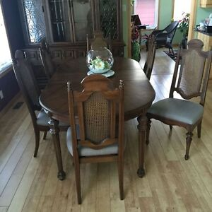 Dining room suite - NO REASONABLE OFFER WILL BE REFUSED