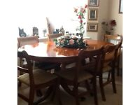 WALNUT DINING ROOM TABLE AND 6 CHAIRS