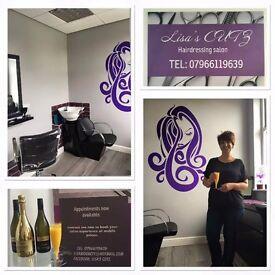 Lisa's CUTZ hairdressing salon.