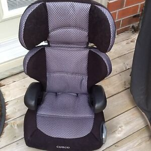 BOOSTER SEAT  ( COSCO )