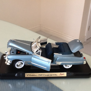 Diecast model toy cars by Road Signature
