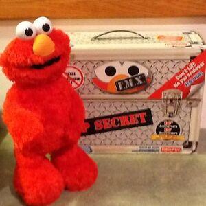 Tickle me Elmo - Anniversary Edition Windsor Region Ontario image 1