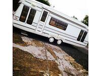 2000 roma caravan