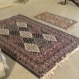 1 large (approx 6'x8') 1 sm area rug (approx 3'x4')