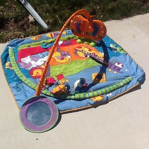 Tiny Love Gymini kick and play mat