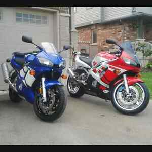 pair of yamaha R6's