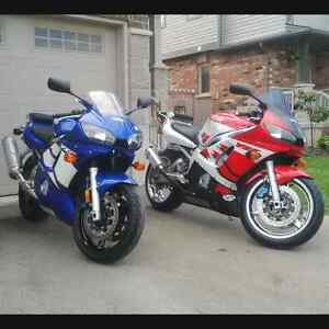 pair of yamaha R6's