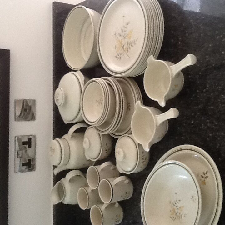 Royal Doulton Will o the Wisp crockery & Royal Doulton Will o the Wisp crockery | in Ascot Berkshire | Gumtree