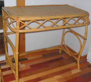 Table console, et chaise en rotin