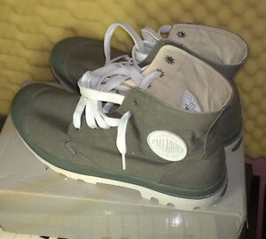 Palladium Blanc Hi Boots - (Metal / White) US size 10.5 Kitchener / Waterloo Kitchener Area image 1