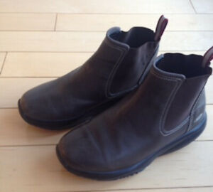 Women's authentic MBT boots: size 6.5, like new!