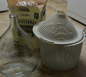 20L Clear Glass Demijohn with Plastic Basket and 810 new Corks
