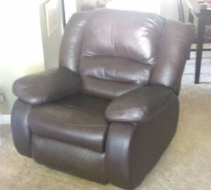 comfortable recliner - good as new