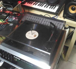 Rare Silver hi end Receiver and Turntable with speakers