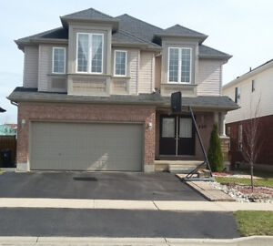 Beautiful 4+ bedrooms house for rent in north end of Guelph