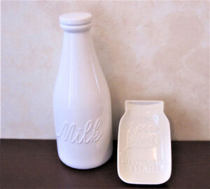 Cream Colour Ceramic Milk Bottle With Lid And Spoon Rest