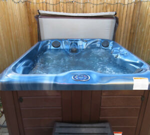 Master Spas HL 630L  4 Seater 1 Year Old Hot Tub For Sale