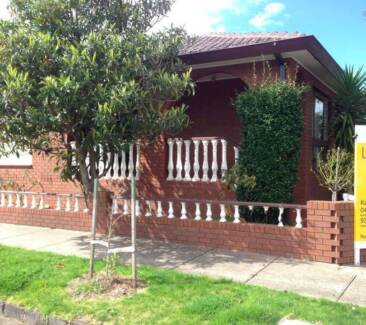 Room available in 5 bedroom Brunswick house! Brunswick Moreland Area Preview