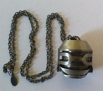 """Hunger Games Movie """"PARACHUTE"""" COMPARTMENT NECKLACE Replica Prop-VERY RARE !"""