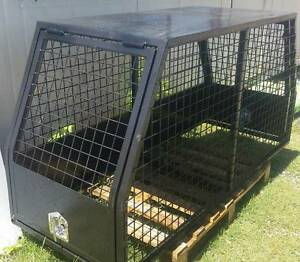 DOG CAGE/HUNTING CRATE FOR UTE, HEAVY DUTY, GAS STRUTS, TLOCKS Orange Orange Area Preview