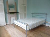 Leyton E10. Newly Redecorated Light, Spacious & Modern 3 Bed Part-Furnished House with Garden