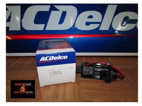 03 07 Gm Updated Blower Motor Resistor New 22807123 Ebay
