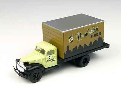 HO 41/46 Chevy Delivery Truck, Manhattan Beer CMW-00-30322
