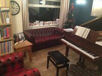 Piano lessons Lanarkshire with professional performing pianist - Liam G Lees