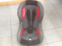 Lightweight group 1 car seat for 9kg upto 18kg weight of child(9mths to 4yrs)-is washed and cleaned
