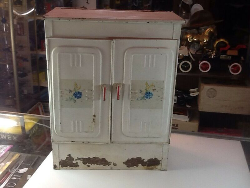 Vintage Metal 3 Door Bread/Pie Box/Safe Keeper - Old Farm Tin - Floral