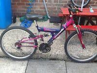 Girls bike Age 7/11 £25