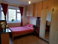 double room to rent in Mile End with its own shower