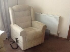 HSL Windsor electric riser/recliner chair, with matching 2 seat sofa chais longue. Buyer collect