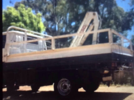 Small truck steel tray with kevrek 550 crane