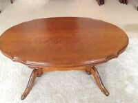 Traditional style lounge coffee table