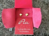 "New un-used Pia Earings ""Cup Cakes"" in gold/silver"