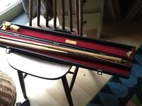 BEC Ronnie O'Sullivan snooker cue and case