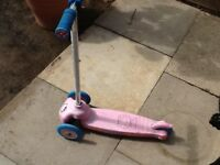 Child's hello kitty groove n scoot scooter