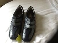 Ladies Size 8 standard width HOTTER navy leather shoes in perfect UNWORN Condition with box