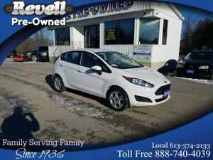 2015 Ford Fiesta SE 5dr   Htd bkts, sync, elect.air, Only 42k