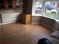 Spacious Ground Floor Double Bedroom To Rent In a Shared House 15 Minutes From Colliers Wood Station